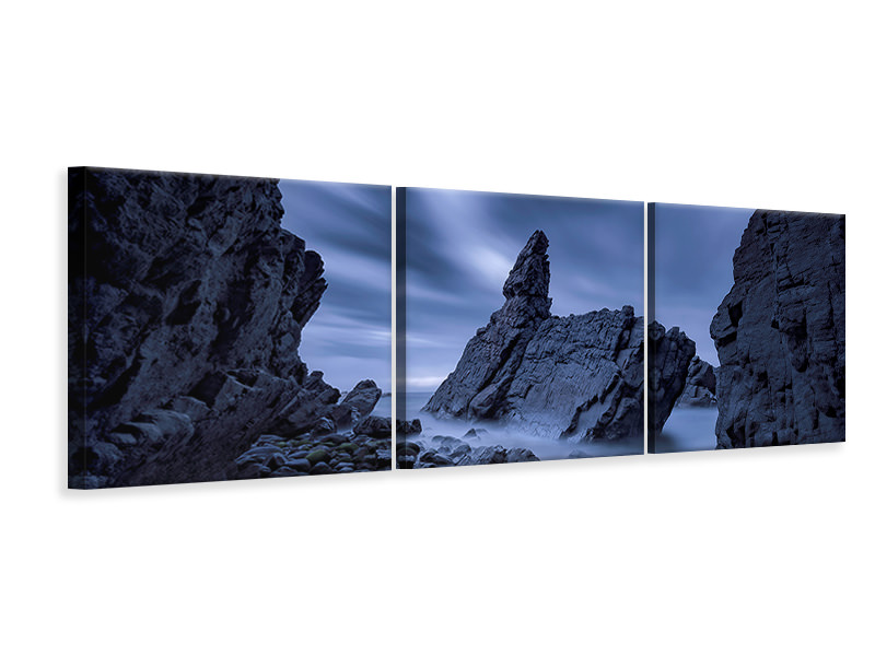 Panoramic 3 Piece Canvas Print Crescent Head